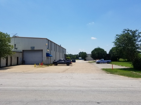 1302 S Cherry St, Tomball, Texas 77375, ,Industrial,For Sale,S Cherry St,1050
