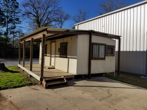 18305 Highway 105, Cleveland, Texas 77328, 2 Rooms Rooms,2 BathroomsBathrooms,Industrial,For Sale or Lease,Highway 105,1072