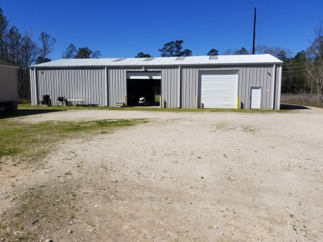 18261 Old Houston Rd, Conroe, Texas 77302, 3 Bedrooms Bedrooms, 2 Rooms Rooms,3 BathroomsBathrooms,Industrial,For Sale,Old Houston Rd,1084